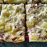 recette pizza crème lardons et brie