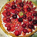 recette génoise    chantilly    fraises et cerises   sur une idée de mélayers et   mini dessert  creme  pistache idée  de jackie