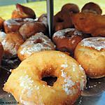 recette Donuts natures et donuts à la confiture de fraises