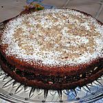Biscuit au chocolat fourré aux noisettes