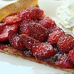 recette Tarte au fraises et crème de nèfles ultra simple