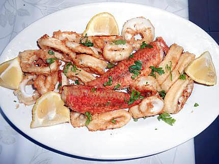 Calamars et rougets frits 430