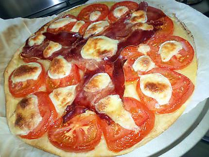 recette de tarte aux tomates jambon cru et mozzarella. Black Bedroom Furniture Sets. Home Design Ideas