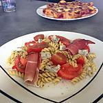 recette Ma salade plaisir Pasta pesto, tomate, gorgonzola et jambon forêt noire