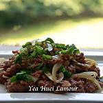 recette Porc haché avec de l'oignon mariné sauté