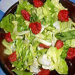 Salade de laitue aux tomates grappes confites