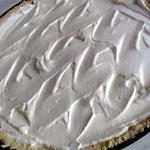 recette tarte à la crème sur lit de prunes caramélisé