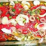 recette Poivrons rouges marinés aux oignons nouveaux et olives