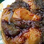 recette Tatin aux poires et compotée de rhubarbe sur un lit de caramel au lait