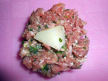 Boulettes de viande farcies au fromage 430