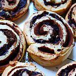 recette Rolls d 'Emilie  au cacao et morceaux de poire