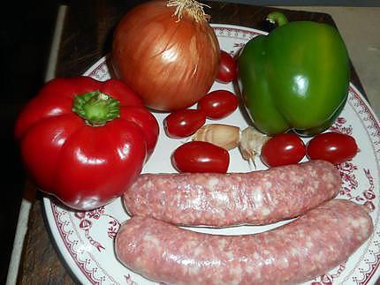 fricasser de saucisse de toulouse aux poivrons 430