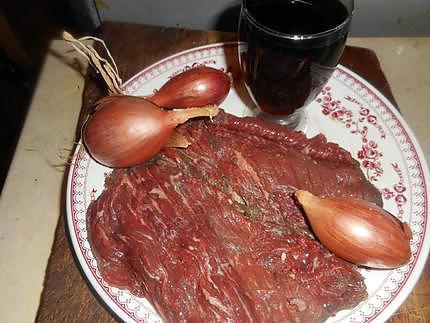 bavette d aloyeau a l echalotes et vin rouge 430