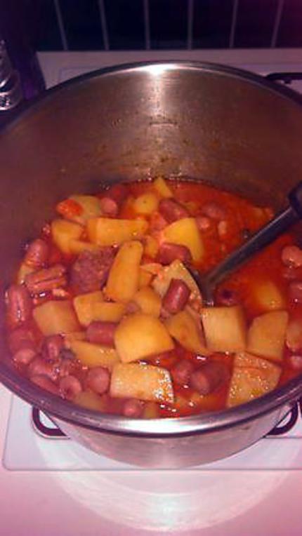 Recette de ragout de pomme de terre aux saucisse de strasbourg - Cuisiner des saucisses de strasbourg ...