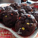 recette ~Biscuits au chocolat noir garnis aux M&M's~