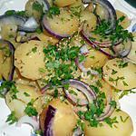 Salade de pommes de terre tiédes au vin blanc