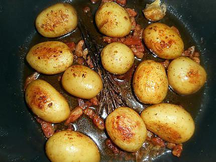 recette de cocotte de pommes de terre aux lardons. Black Bedroom Furniture Sets. Home Design Ideas