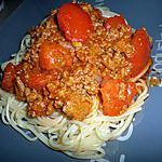 Spaghettis à la bolognaise et mozzarella