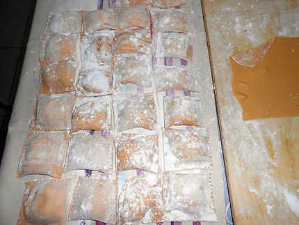 Ravioli rouges aux trois fromages (2ème étape) pates fraiches maison 430