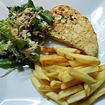 recette Steak de marlin(espadon) épicé et salade(roquette-laitue-chou-noisettes)