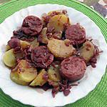 recette SAUCISSON de LYON au vin rouge et pommes vapeurs