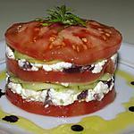 recette Mille-feuilles de tomates à la féta et aux concombres