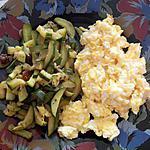 recette Oeufs brouillés accompagnés d'un sauté de courgettes