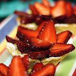 recette Tartelettes aux fraises, crème pâtissière au nougat et à la fève tonka