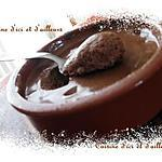 recette Mousse au chocolat corsé aux eclats de noisettes et pépites