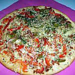 recette Pizza lardons/poivrons/crème