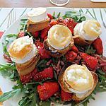 recette Salade de chèvre chaud, fraises et lardons