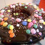 recette Gâteau couronne aux amandes glaçage au chocolat bonbons