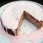 recette Biscuit de savoie aux framboises et glaçage royal à l'eau de rose
