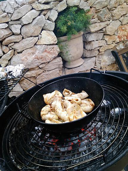 Recette de calamars au barbecue - Recette calamar grille barbecue ...