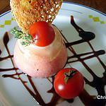 Entremets à la tomate, chèvre et thym