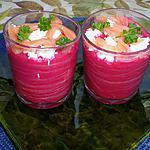 recette VERRINES de gaspacho de betteraves au saumon fumé et chèvre