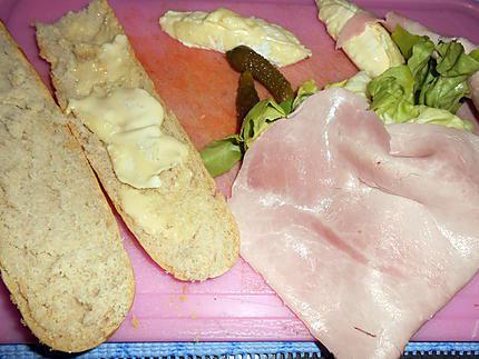 Baquette au jambon garnie 430