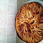 recette tarte aux pommes sur lit de compoté de pomme figues , crème au lait concentré, amande