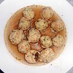 recette POLPETTINE DI PANE IN BRODO (petites boulettes de pain au bouillon)