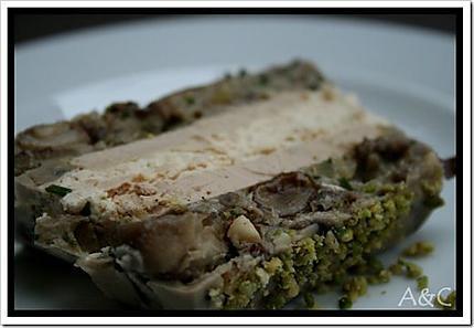 Terrine aux champignon truffée au foie gras