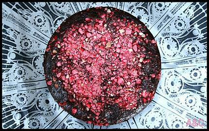 gâteau mousseux choco-fraise-pralines (5)