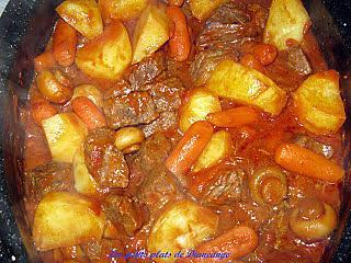 Recette de boeuf en cubes aux tomates et l gumes - Comment couper une tomate en cube ...