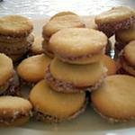 recette Alfajores, sables en sandwich fourres de confiture de lait ( dulche de leche) et de noix de coco