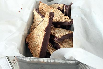 biscuit / triangle noix de coco-chocolat { sans oeuf ni beurre } 1 s