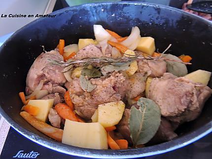 Recette de saut de porc aux l gumes et lardons - Saute de porc cocotte minute ...