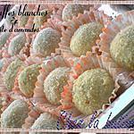 recette Truffes blanches à la pâte d'amandes