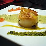 recette Noix St Jacques rôties aux amandes et crème de pistache