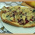 recette Tartine au roquefort, poire et noix