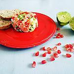recette Tartare de saumon frais à l'avocat et à la grenade