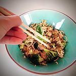 recette Nouilles sautées au poulet, brocolis et gingembre frais